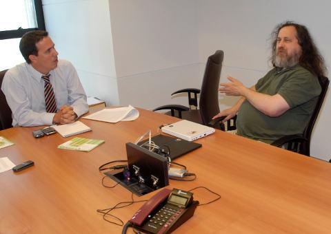 Richard Stallman en la Presidencia de Uruguay. Fuente: presidencia.gub.uy